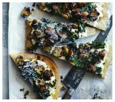 whole wheat pizza with kale, mushroom and roasted garlic sauce