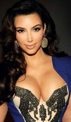 Kim Kardashian- makeup and hair