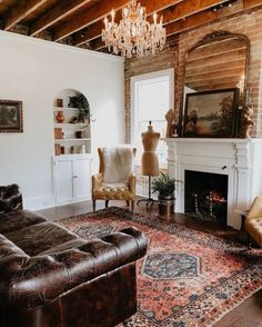 Monday Inspiration: Why a Persian Rug is a must have item - Mad About The House Living Room Carpet, Living Room Modern, Rugs In Living Room, Living Spaces, Red Persian Rug Living Room, Bedroom Carpet, Persian Decor, Turkish Decor, Living Room Decor Inspiration