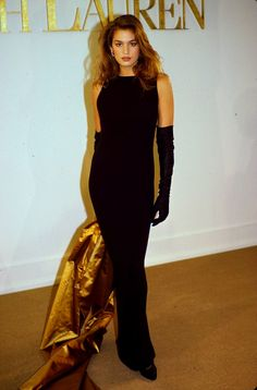 cindy crawford style Cindy Crawford walked for Ralph Lauren 1989 80s Fashion Icons, Grunge Fashion, 90s Fashion, Runway Fashion, Fashion Models, High Fashion, Vintage Fashion, Fashion Outfits, Fashion Designers