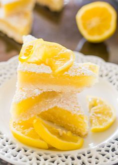 Lemon Bars Recipe - Jo Cooks - A classic recipe with a shortbread crust and a tart and lemony curd filling. These lemon bars are luscious and totally scrumptious. Lemon Dessert Recipes, Lemon Recipes, Sweet Recipes, Cookie Recipes, Desserts To Make, Delicious Desserts, Yummy Food, Oreo Desserts, Lemon Chicken Piccata