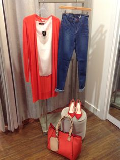 How to rock Oasis A/W sale. Wear these stylist choices now AND later. I love this great long cardi, tomato red which looks great all year. Buy now and melt into spring like this.
