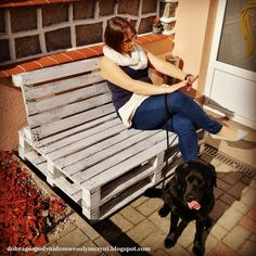 ławka z palet DIY Pallet Garden Furniture, Diy, Table, Home Decor, Bending, Balcony, Decoration Home, Bricolage, Room Decor
