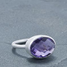 5.00cts. Amethyst. Sterling Silver. Amulet Ring