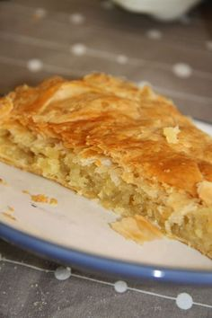 Galette à la frangipane French Desserts, No Cook Desserts, Cookie Desserts, Cheese Danish Braid Recipe, Galette Frangipane, Cake Recipes, Dessert Recipes, Sweet Pastries, Food Cakes