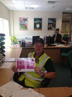 #TravisPerkins in #Northampton helping to #SpreadTheWord for #BreastCancerCampaign