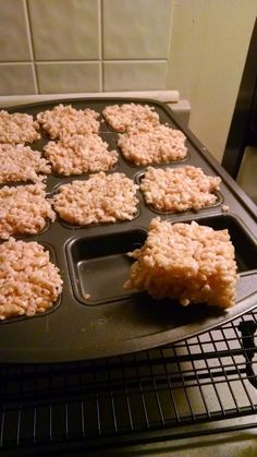 At Home Restaurant: Rice Krispies Treats in a Brownie Pan!? Pampered chef recipe