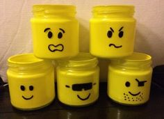 Adorable… fill it with legos for the perfect gift for a younger kid. Diy Party Crafts, Diy And Crafts, Diy For Kids, Crafts For Kids, Craft Kids, Lego Head, Glitter Party, Christen, Happy Kids