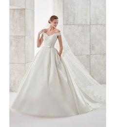 Moda sposa 2017 - Collezione AURORA.  AUAB17981. Abito da sposa Nicole.
