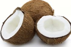 Is Coconut Oil a Natural Deodorant? Coconut oil can work as a natural deodorant, due to its antibacterial nature, while also keeping perspiration at bay an Coconut Oil For Acne, Coconut Oil Uses, Organic Coconut Oil, Organic Oils, Coconut Hair, Raw Coconut, Coconut Cream, Coconut Flour, Coconut Oil Health Benefits