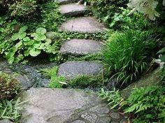 Tea garden at the Hotel Yoshiike - Hakone, Japan Small Japanese Garden, Japanese Garden Design, Japanese Gardens, Japanese Style, Stone Path, Garden Stones, Water Garden, Shade Garden, Garden Inspiration