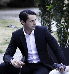 Matthew Goode and Wine. A perfect combination.