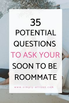 35 Questions to Ask Your Potential Roommate Getting to know your college roommate can be stressful at times. Here are 35 potential questions to ask yo College Freshman Tips, College Dorm Essentials, College Life Hacks, College Packing, College Roommate, Freshman Year, Roommate Ideas, College Schedule, College Planner