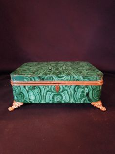 LA-6311  Footed Malachite box