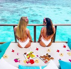 Sun Travels and Tours Maldives Maldives Luxury Resorts, Paradise On Earth, Photo Credit, Best Friends, Tours, Outdoor Decor, Travel, Holidays, Book