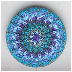 Ravelry: Crochet Mandela Pot Coaster pattern by Atty van Norel link to free crochet tutorial / pattern Crochet Crafts, Crochet Yarn, Crochet Stitches, Crochet Projects, Ravelry Crochet, Crochet Potholders, Crochet Squares, Crochet Doilies, Granny Squares