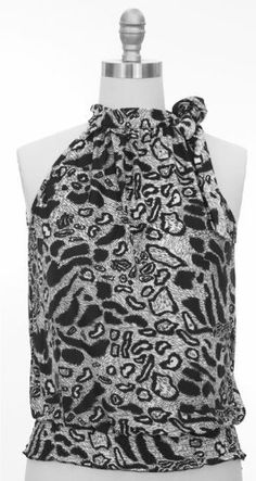 Junior's Scoop neck animal print black blouse jon and anna. $18.50