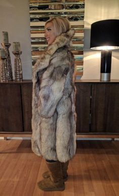 Material: Real Whole Skin Silver Fox Fur. Fur is fluffy and thick. Fox Fur Vest, Fox Coat, Fur Fashion, Fashion Art, Gray Jacket, Fur Jacket, Street Style, Blondes, Jennifer Lopez