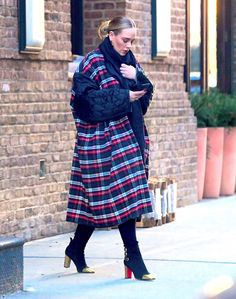 Chic: Adele put on a glamorous display in a plaid coat as she enjoyed a rare outing in New. Adele Style, Adele Adkins, Gucci Dress, Plaid Coat, Moda Plus Size, Floor Length Dresses, Balenciaga, Celebrity Style, Celebrity Outfits