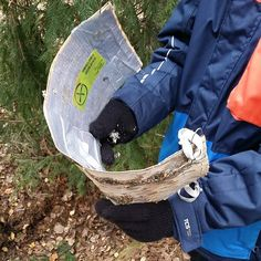 This is different! A large piece of birch bark, with the #geocache log hidden on the back. Hopefully there's a good hint so people don't pull real bark off the tree. (pinned from websta to Creative Geocache Containers - pinterest.com/islandbuttons/creative-geocache-containers/)