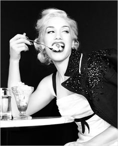Gwen. Classic. Kuul. Lola <3