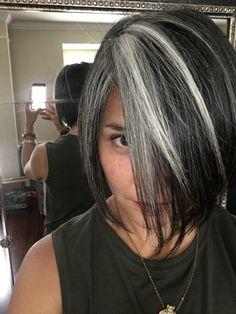 10 Gray Hair Mistakes Everyone Makes — Healthy Wife ™ Grey Hair Care, Long Gray Hair, Curly Gray Hair, Silver Grey Hair Gray Hairstyles, Purple Hair, Dark Grey Hair Dye, Grey Bob Hairstyles, Silver Hair Dye, Scene Hairstyles