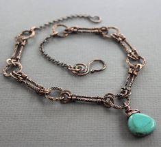 Style Vintage collier avec Pierre briolette howlite turquoise sur chaîne motifs - de cuivre cuivre - collier Turquoise