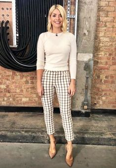 6 Autumnal Pieces I Want From Holly Willoughby's Wardrobe - Outfits for Work - Outfits for Work Trendy Summer Outfits, Casual Work Outfits, Work Casual, Pretty Outfits, Beautiful Outfits, Office Outfits, Outfit Work, Office Attire, Office Wear