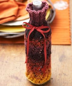 Thankful Thursday Wine Cozy - This quick knit will make the perfect contribution to your family's Thanksgiving dinner.