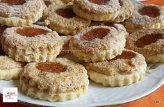 Sokszor megsütöttem már, ezzel a recepttel egyszerű a dolgom, kezdők is bátran kipróbálhatják! Hozzávalók 30 dkg liszt 20 dkg margarin 10 dkg porcukor 6 gramm sütőpor 1 db tojás sárgája 2 ek citromlé A habhoz: 2 tojás fehérje 5 dkg … Egy kattintás ide a folytatáshoz.... → Winter Food, Cake Cookies, Doughnut, Biscotti, Cookie Recipes, Fudge, Sweet Tooth, French Toast, Cheesecake