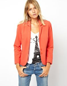 cropped-+-.love  the tee shirt with the jacket
