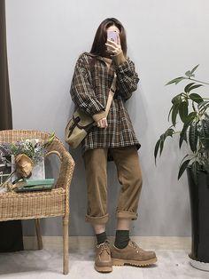 Korean fashion styles 192599321551463307 - ~ oldschool fashion house Source by raylynnnn Korea Fashion, 80s Fashion, Asian Fashion, Look Fashion, Fasion, Fashion Outfits, Womens Fashion, Fashion Trends, Fashion Styles