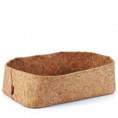 Ciotola in bamboo fatta a mano. Perfetta per portare il pane a tavola (non la mettere nella lavastoviglie!) $38$