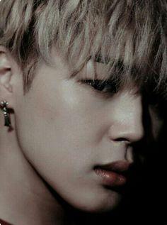 ❝A river hides inside her eyes, an ocean parts around her heart, a lo… Fanfiction Hoseok, Namjoon, Seokjin, Taehyung, Bts Bangtan Boy, Bts Jimin, Spirit Fanfic, Pre Debut, Kpop
