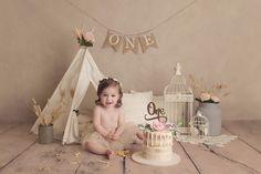 1st Birthday Photoshoot, 1st Birthday Party For Girls, Girl Birthday Decorations, Baby First Birthday, Baby Cake Smash, 1st Birthday Cake Smash, Birthday Girl Pictures, First Birthday Photos, First Birthday Photography