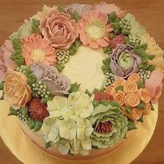 Beautiful wreath flower from swiss meringue buttercream