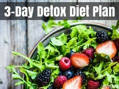 Looking for a simple 3-day detox diet plan? Look no further! Lose weight, get more clean energy, heal your skin, and kickstart a great weight loss program!