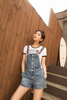 Suzy (수지) is a South Korean actress and solo singer under Management SOOP. Suzy debuted as a member of MissA in March 2010 under JYP En. Korean Girl, Asian Girl, Miss A Suzy, Bae Suzy, Korean Actresses, Korean Celebrities, Ulzzang Girl, Summer Collection, Kpop Girls