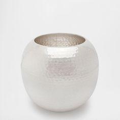 GOLDENE VASE AUS GEHÄMMERTEM METALL - Vasen - Dekoration | Zara Home Deutschland