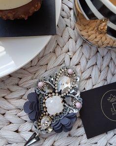 #brooch #handmade #handmadejewelry #jewelry #jewelrydesigner #jewellery #jewellerydesign #jewels #design #details #style #accessories #edtaccessories #fashionista #fashion #fashionblogger #stone #swarovski #swarovskicrystals #womenfashion #sparkle #sweet #elegant