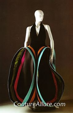 More Roberto Capucci, this time from Black velvet bodice with black silk skirt. Fashion History, Fashion Art, Vintage Fashion, Fancy Gowns, Fashion Courses, Italian Fashion Designers, Rome, Vintage Couture, Sculptural Fashion