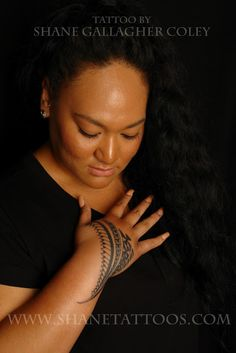 Koru Tattoo: Tongan Female Hand Tattoo.   Ive seen a girl with something like this on her hand. I must say, it was very attractive lol