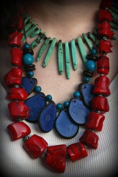 My business partner has made the red one and it is awesome !!! She used the spike coral.