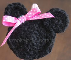 Free pattern for a Minnie Mouse Crochet headband. Love how this one turned out.