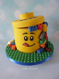 LEGO Box Cake for a LEGO Birthday! Maybe for an upcoming birthday Fancy Cakes, Cute Cakes, Mini Cakes, Cupcake Cakes, Torta Princess, Lego Torte, Super Torte, Novelty Cakes, Cakes For Boys