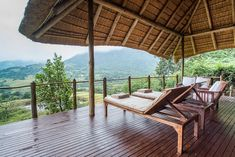 Karkloof Safari Spa is located in the KZN Midlands and offers 5 star luxury villas within a game reserve. Daily game drives, a luxury spa and Luxury Spa, Luxury Villa, Wooden Walkways, Game Reserve, Romantic Getaway, Time Out, Villas, Safari, Pergola