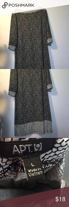 APT 9 Boat Neck 2 Tone Dress Perfect for dash and go work days! Super roomy and comfy dress. It has flattering boat neckline and two tones of black and white!!! Apt. 9 Dresses Midi