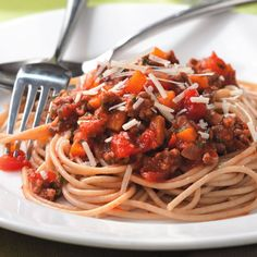 Spaghetti with Quick Meat Sauce  Serve with steamed broccoli or other greens, and a loaf of piping hot garlic bread.