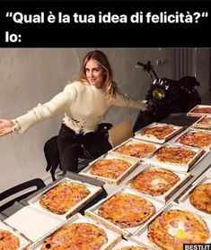 Funny Video Memes, Funny Relatable Memes, Funny Jokes, Very Funny, Funny Cute, Tv Online Ao Vivo, Italian Memes, Savage Quotes, Funny Phrases