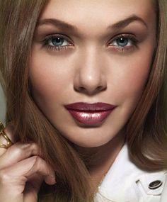 Qual mulher que não gosta de produtos de beleza e maquiagem? Qual mulher não gosta de cuidar se cuidar para se sentir bonita?